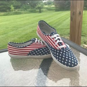 Keds Lace Up American Flag Sneakers Women's US 9
